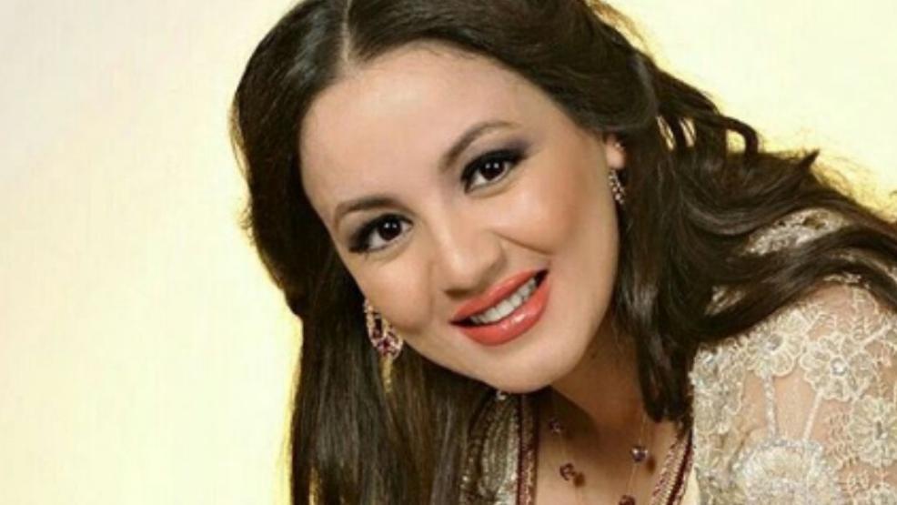 """سناء عكرود لمتابعيها: """"انحرفوا فالانحراف جميل"""""""