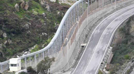 تسلل ناجح إلى سبتة المحتلة يُبدد نجاعة السياج الحديدي الجديد