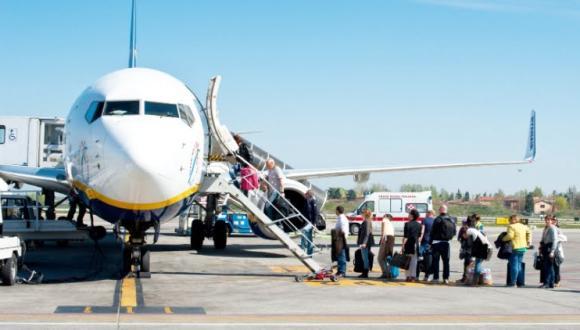 """""""الخطوط الجوية"""" تلغي حجوزات عدد من الرحلات المبرمجة بين المغرب وهذه الدولة"""