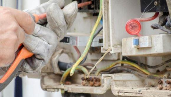 فضيحة.. ضبط مستشارا جماعيا يسرق الكهرباء خارج العداد والدرك يدخل على الخط