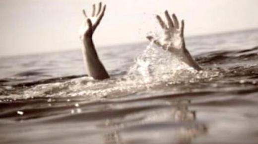 مأساة.. مصرع شاب غرقا بشاطئ رأس الماء