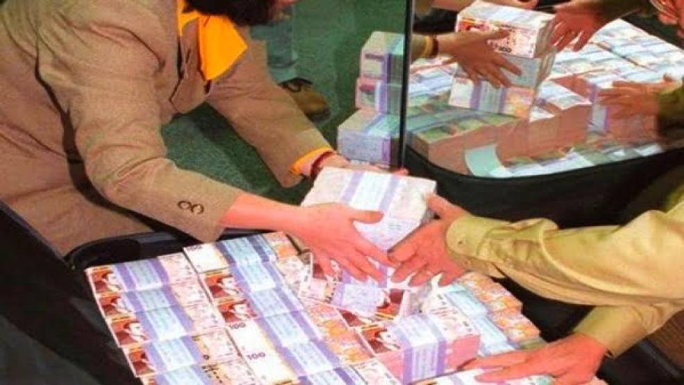 شاهد الفيديو.. ناظوري من العروي يفوز بأكثر من 3 مليار سنتيم ضمن سحب اللوطو