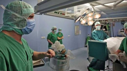 خطير.. شجار وتراشق بالقارورات داخل قاعة العمليات بمستشفى محمد الخامس