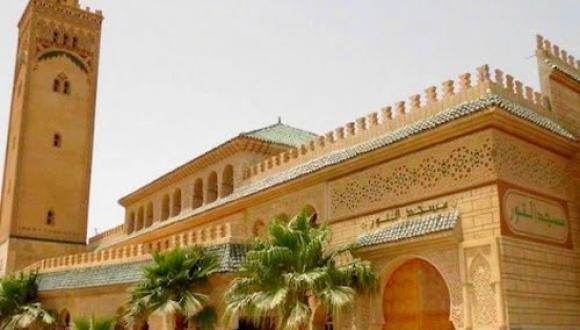 مغاربة يطلقون عريضة لرفع الحظر عن صلاة الجمعة وفتح ما تبقى من مساجد المملكة