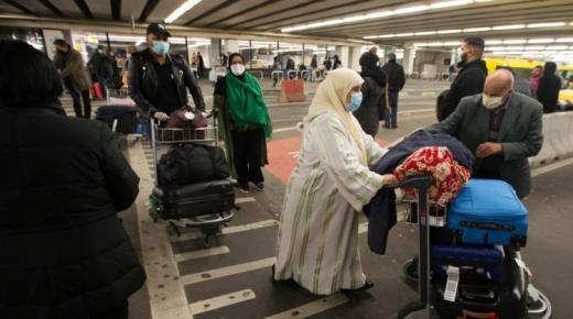 """مهاجرون مغاربة يُزوّرون اختبارات فحص """"كورونا"""" لدخول المملكة"""