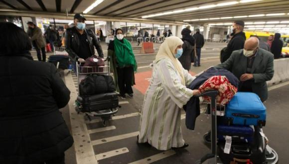 أمام ارتفاع المنحنى الوبائي.. مكتب المطارات يصدر توجيهاته إلى القادمين للمغرب
