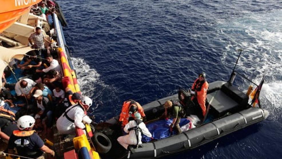 الـبحرية الاسـبانية تنقذ 13 مهاجـرا ينحدرون من الريف جنوب موتريل