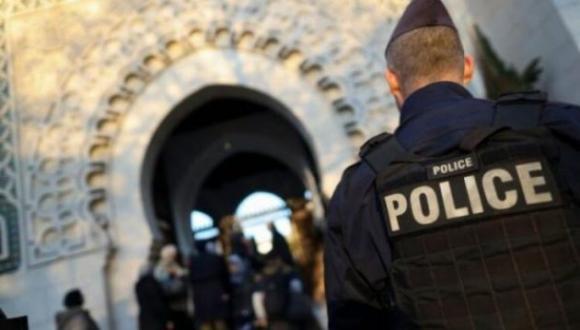 السلطات الفرنسية تثير غضب المسلمين بعد أقدامها على إغلاق مسجد بشكل نهائي لهذا السبب