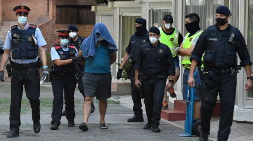 نفذ اكثر من 100 عملية سطو ببرشلونة، مغربي في قبضة الشرطة