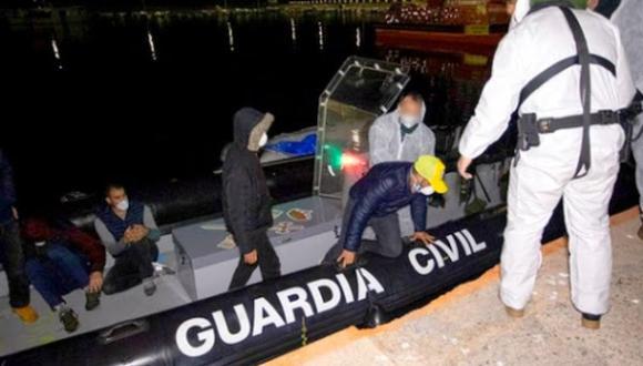 ابحروا من الريف.. خمسة شبان يصلون الى اسبانيا في قارب صغير