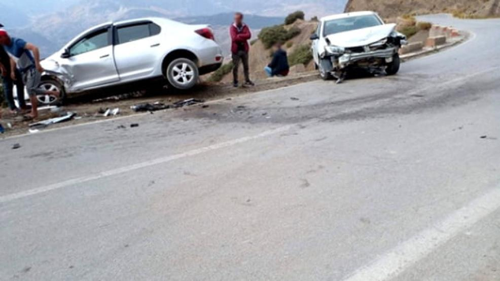 حادثة سير خطيرة على الطريق الوطنية رقم 2 الرابطة بين الحسيمة وتطوان