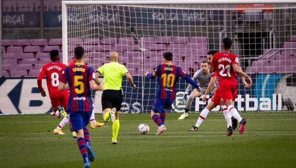 برشلونة يفشل أمام غرناطة ويُنهي آماله في صدارة الليغا