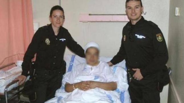 هربا من جحيم المستشفيات المغربية ناظورية تلد على الحدود مع مليلية