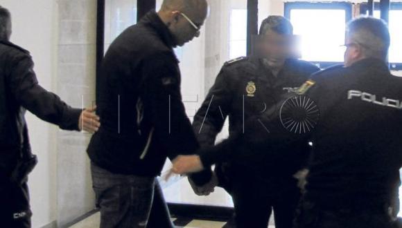 مسجون في إسبانيا قتل ممرضة يطلب طرده إلى المغرب