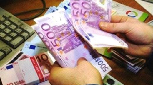 اليورو يواصل تحليقه في السوق السوداء المغربية بسبب المضاربين ، وهذا هو سعره حاليا