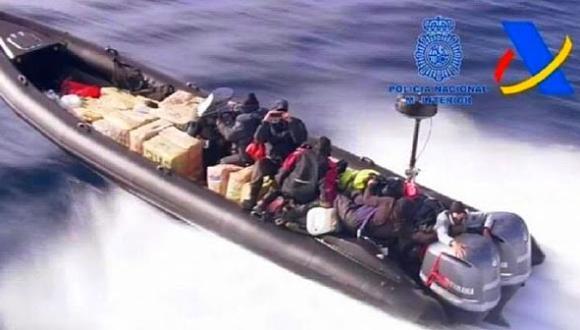 شاهد الفيديو.. مصادرة 15 طنا من الحشيش على متن قارب قرب سواحل جزر الكناري