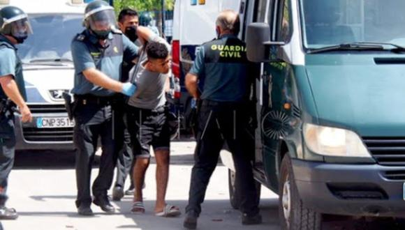 مليلية .. السجن والغرامة لعشرات المهاجرين المغاربة بسبب اعمال شغب