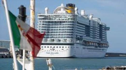 إيطاليا تسمح للسفن السياحية باستئناف عملها اعتبارا من منتصف الشهر الحالي