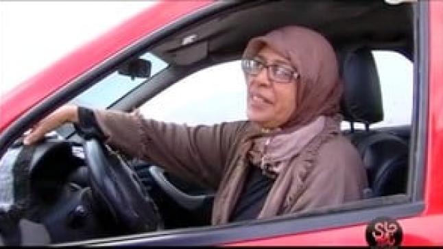 امرأة سائقة تاكسي في المغرب