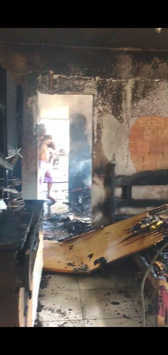 Foto  - [FINALIZADA] Ajude a reconstruir a casa da tia Nenzinha