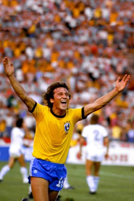Foto  - Camisa seleção brasileira assinada pelo Zico