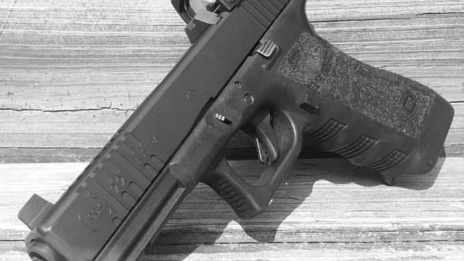 Machining a Glock slide for a Trijicon RMR cut – rifleshooter com