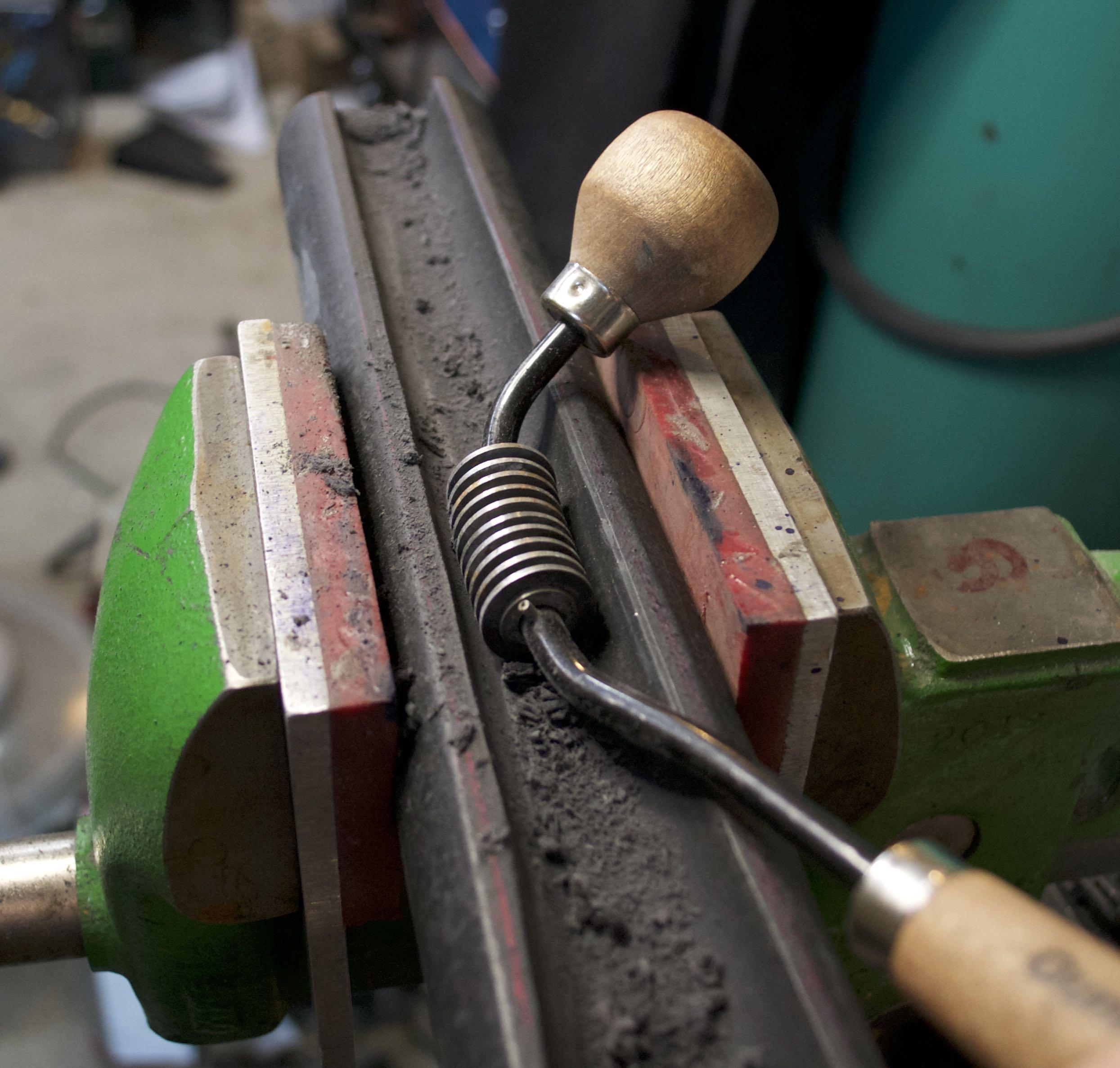 16-308-700-barrel-channel-tool
