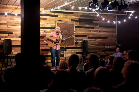 MINNEAPOLIS, MN NAY 6: Peter Miller performs on opening night at the Warming House on May 6, 2016 in Minneapolis, Minnesota. © Tony Nelson
