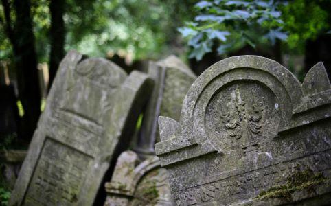 Tombstone in May 2014, by Jakub Jankiewicz