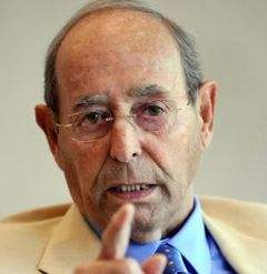 Richard DeVos Image