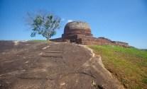 yahangala-temple_dhammika-heenpella
