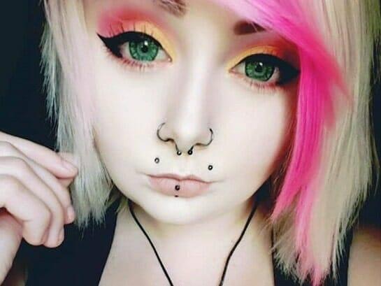 upper lips labret piercing