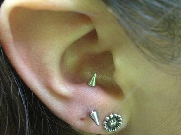 anti tragus piercing stud