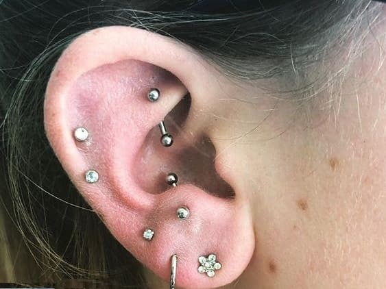 antitragus curved barbell