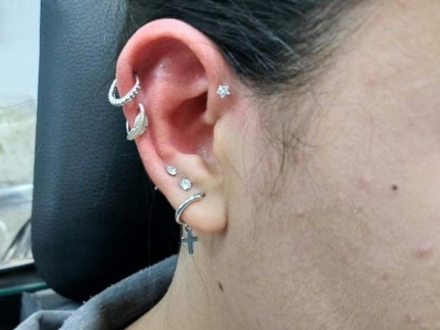 does forward helix piercing hurt