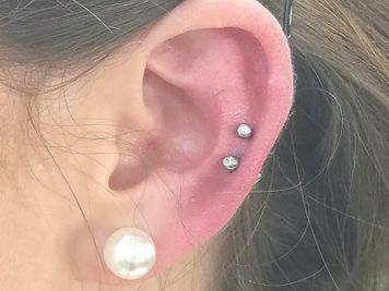 double lower cartilage piercing