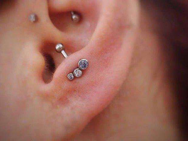 ear anti tragus piercing