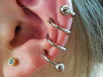 earlobe jewelry