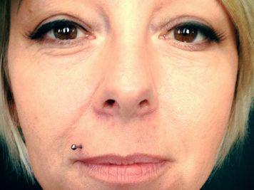 long barbell madonna piercing