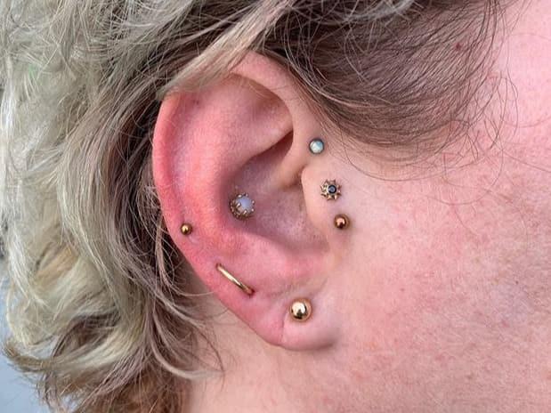 earlobe piercing healing time