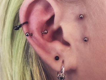 snug and helix piercing