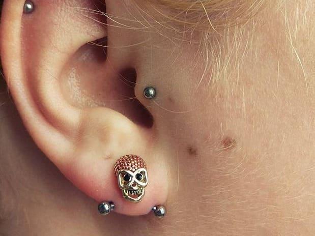 transverse ear piercing