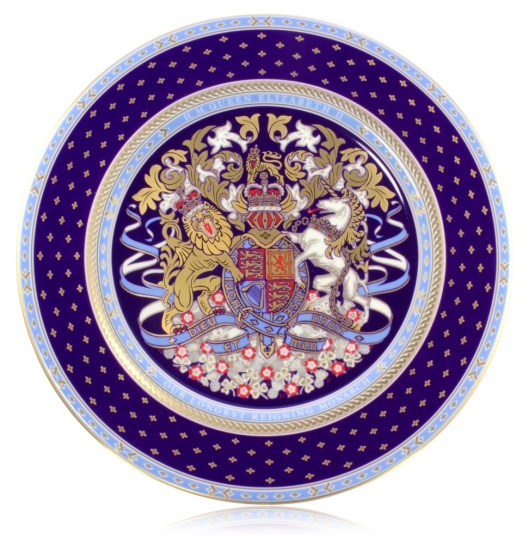 Commemorative plate from the official range of china, inspired by the design of the Coronation programme of 2 June 1953 Royal Collection Trust / © Her Majesty Queen Elizabeth II 2015.