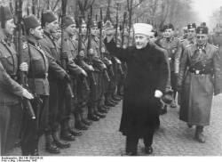 Amin_al_Husseini_bei_bosnischen_SS-Freiwilligen