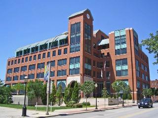 800px-Kansas City Southern HQ