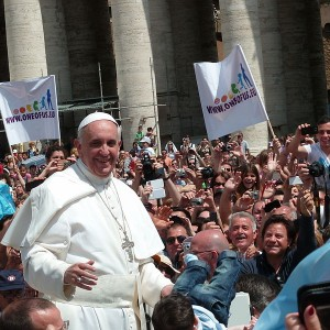 Pope-Francis-Photo-by-Edgar-Jimenez-300x300