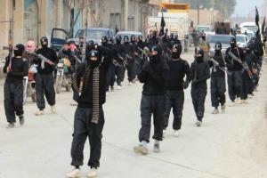 ISISfightermountashowofforceintheSyriantownofTelAbyadonJanuary2
