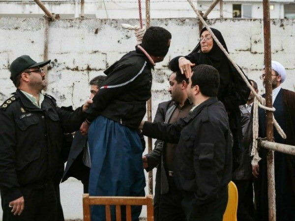 Iran-gallows-AP-640x480-640x480