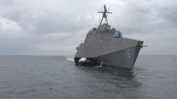 lcs-6-at-starboard_120815-littoral-combat-ship-uss-jackson