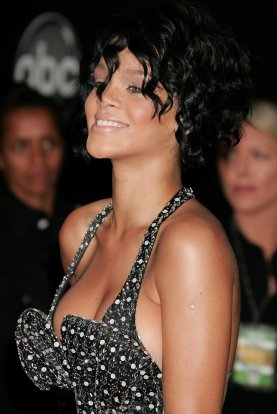 2007+American+Music+Awards+Arrivals+apEGEky5iBax